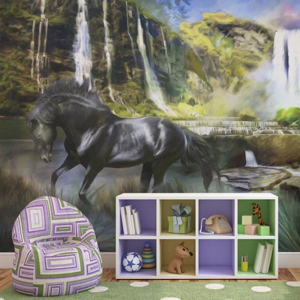 Fototapeta - Koń na tle błekitnego wodospadu (200x154 cm) A0-LFTNT0767