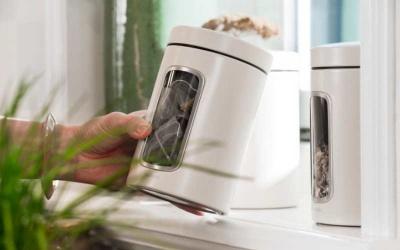 Jakie ozdobne pojemniki do kuchni wybrać?
