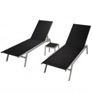Leżaki ze stolikiem, 2 szt., stal i textilene, czarne