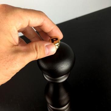 Młynek do pieprzu 18 cm