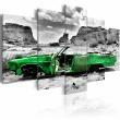 Obraz - Zielony samochód w stylu retro na Pustyni Kolorado A0-N2741