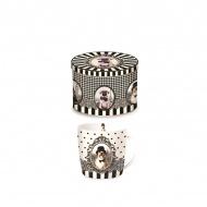 Porcelanowy kubek w blaszanym pudełku Nuova R2S Happy Life pies w kapeluszu