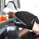 Rękawica kuchenna Vialli Design Livio biało - czarna