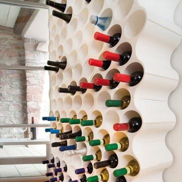 Stojak na butelki Koziol Set-up brązowy